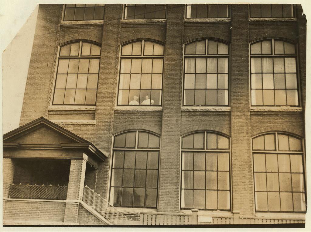 manomet-mill-windows