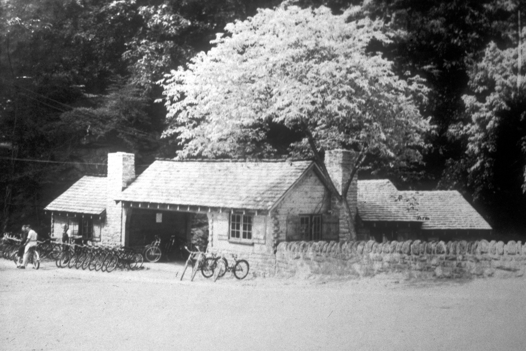 """Figure 4. The Lincoln Drive Shelter (""""The New Bicycle Concession Building""""  Evening Bulletin , 25 June 1940. Circulating collection, Wissahickon Valley, Free Library Prints and Pictures Room, Philadelphia, Pennsylvania. Reprinted with permission from Urban Archives, Philadelphia, Pennsylvania)."""