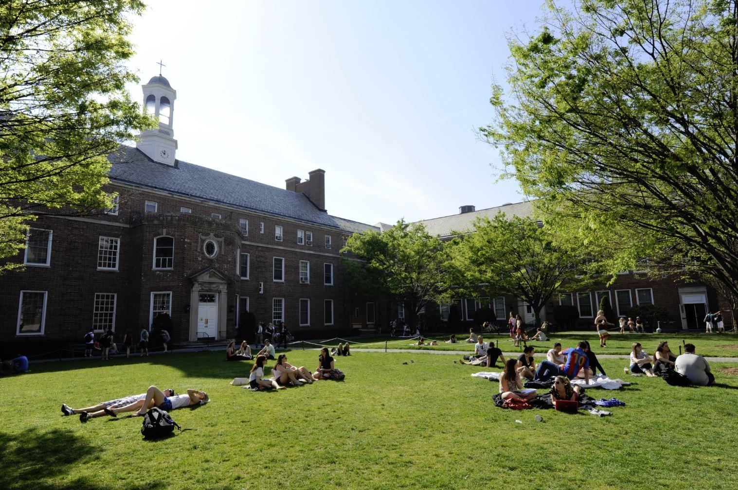Manhattan_College_Quad.JPG