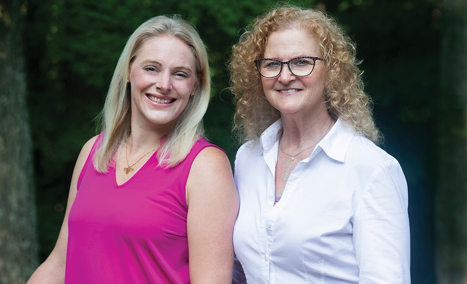 Amanda Moskowitz (left) and Mimi Brodsky Kress (right). (Photo by Michael B. Kress.)