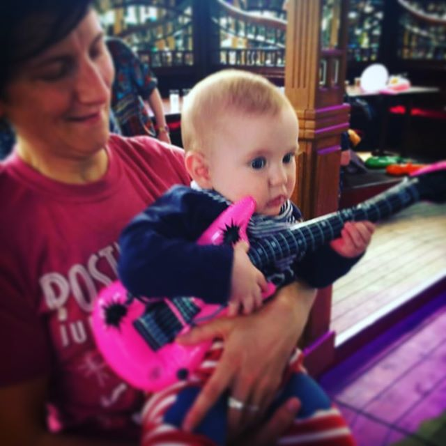 A weekend of fringe, Eurovision and reconnecting with Jewish roots. #babybambinos #babydisco #tinyinflatable guitar #madonnaeurovision #madgelookedlikebettedavisintheanniversary #museumofthemoon #queenspark #synagogue #brighton #brightonfestival #allthehashtags #hashtag