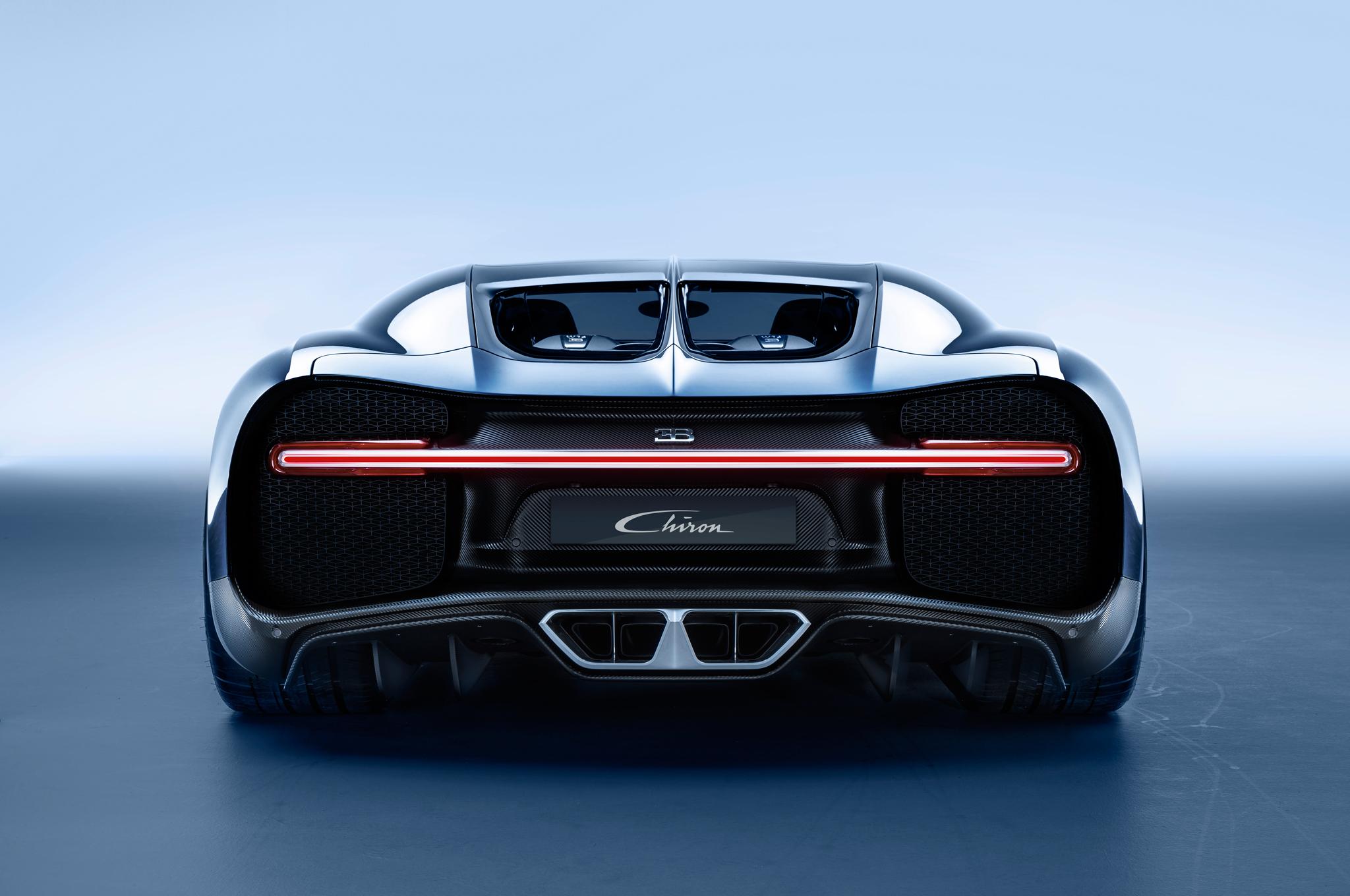 2017-Bugatti-Chiron-rear-end.jpg