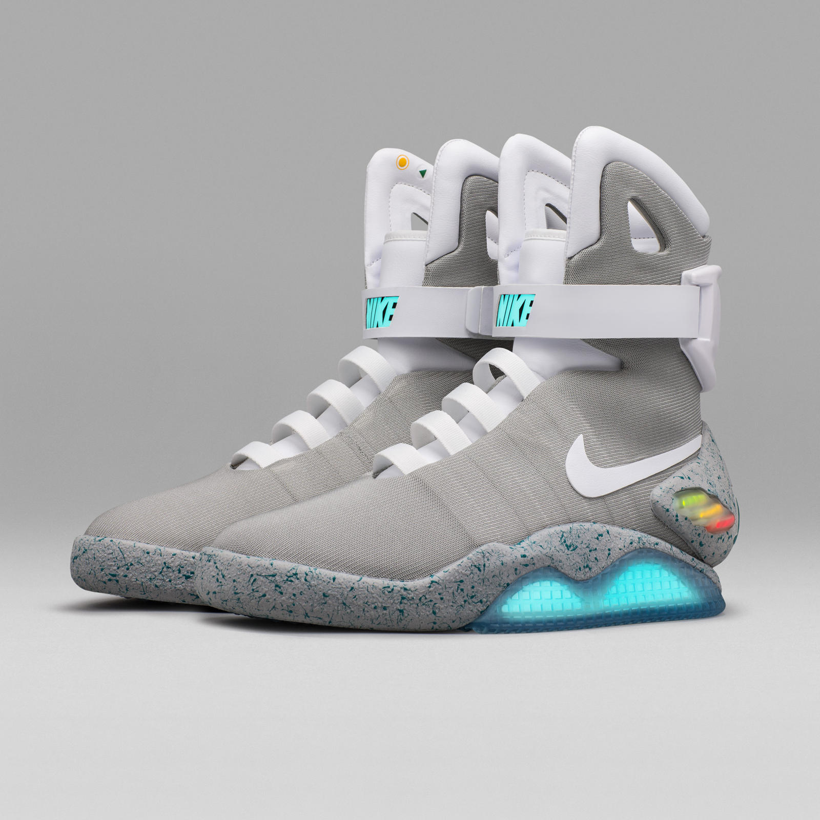 Nike-Mag-2016-Official-06_square_1600.jpg