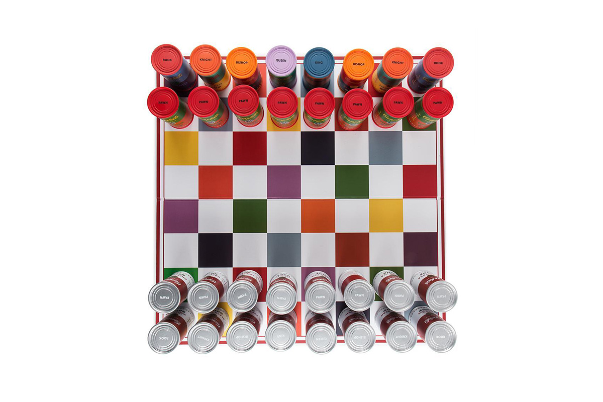 andy-warhol-campbells-soup-can-chess-set-04.jpg