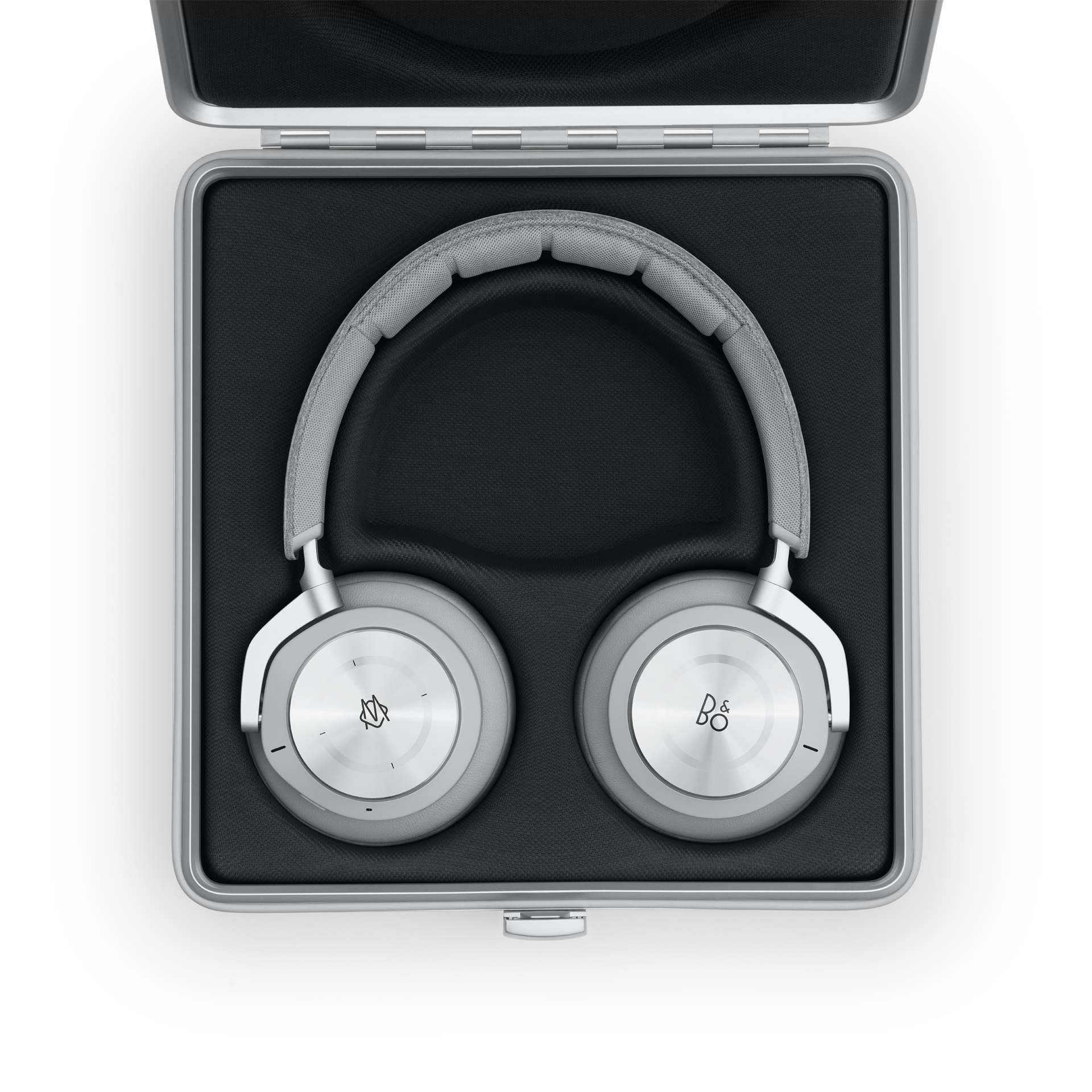 beoplay-h9i-rimowa-gallery3.png