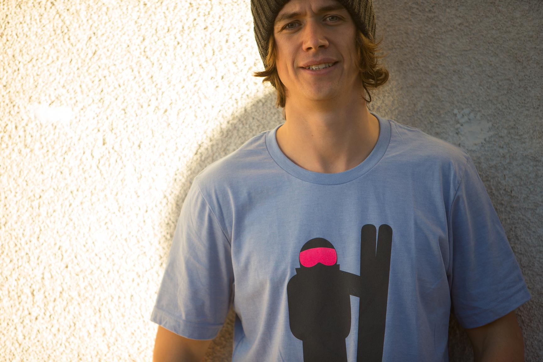 T-Shirt €27   Beanie €20