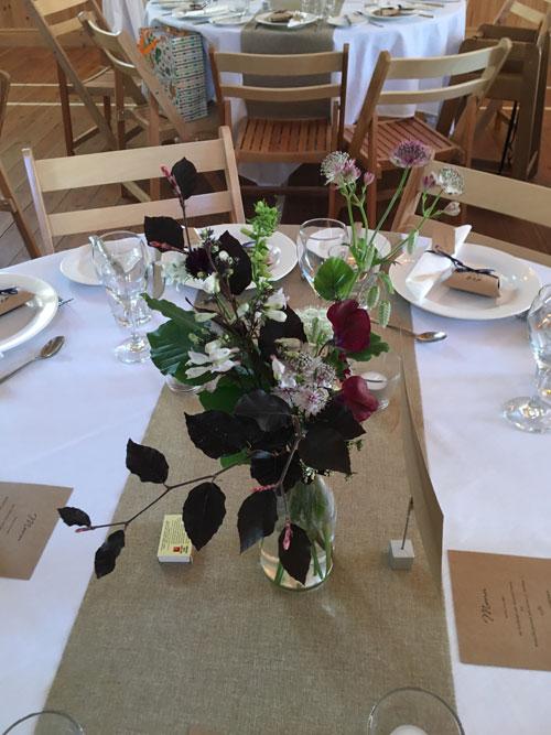 table_flowers_2.jpg
