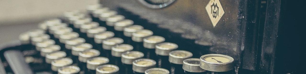 typewriter-407695_1280.jpg
