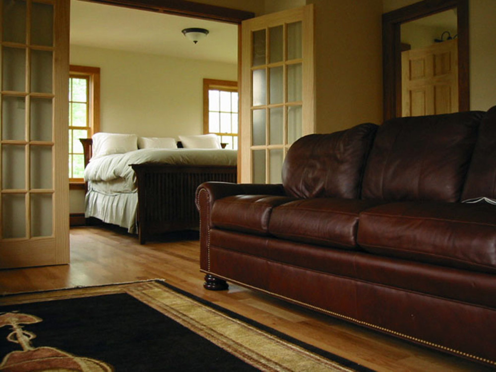 stone_quarry_house_bedroom.jpg