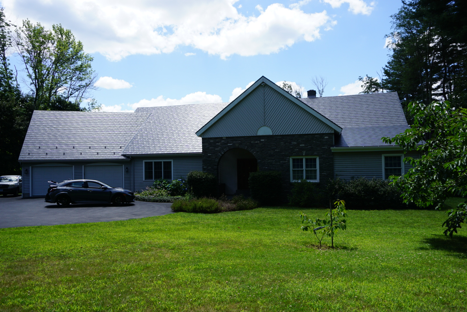 Gray Slate Metal Roof in Pomfret Center, CT