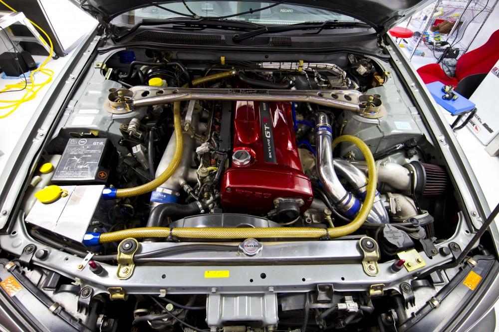 R34-engine--1000x666.jpg
