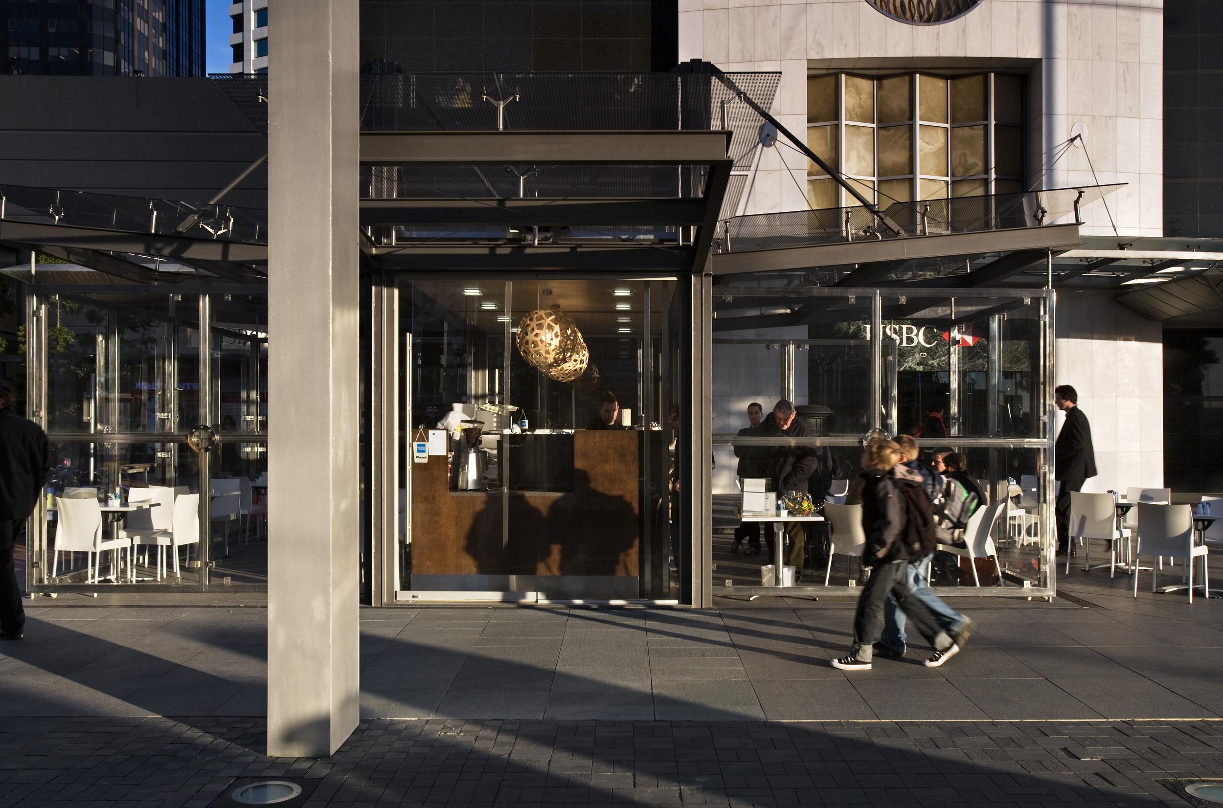 1QueenStreetCafe_Exterior_16.jpg