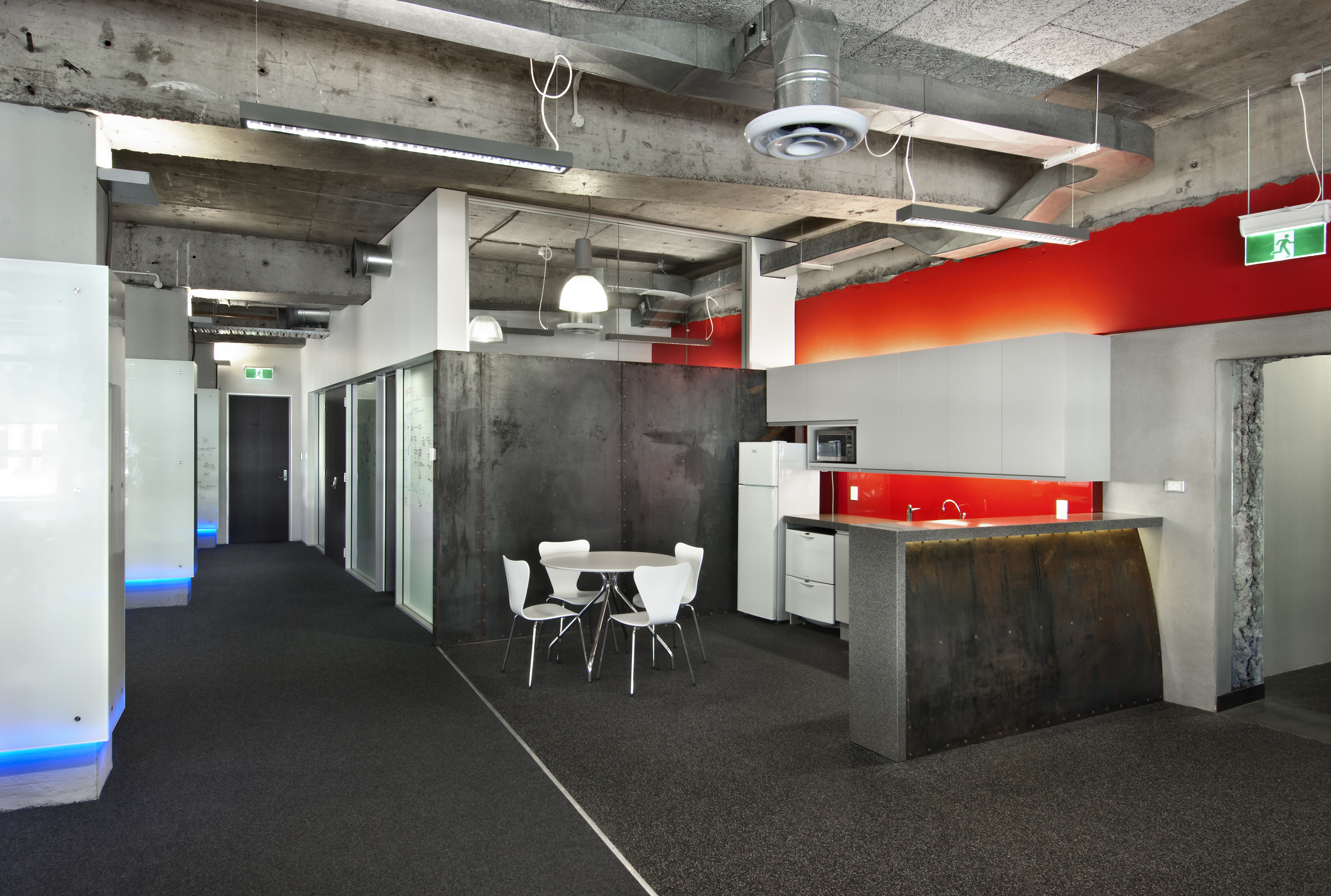 REANNZ     Office Fitout   The brief for this fitout was for an industrial and stripped-back aesthetic. The project and scope was pushed rigorously by REANNZ's Chief Executive Donald Clark whose close and consistent attention to detail was enthusiastically welcomed.