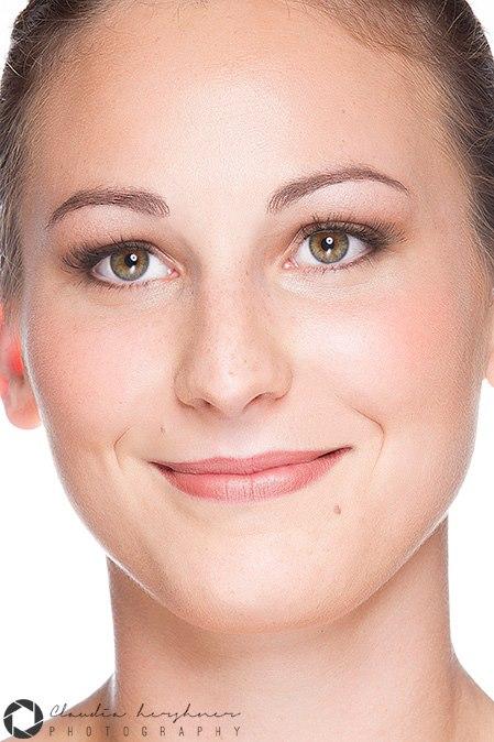 Photo: Claudia Hershner. Makeup: Sarah