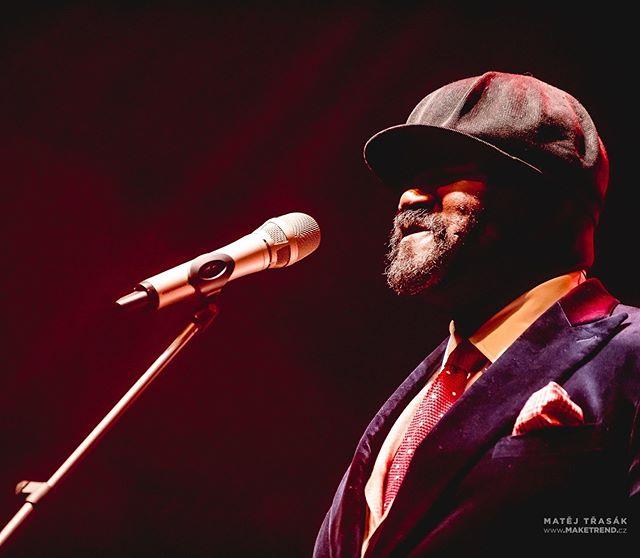 Grammy winning jazz singer Gregory Porter during Prague concert at @forumkarlin . . . #concert #koncert #show #livemusic #concertphotography #gigphotography #liveshows #liveconcertpictures #musiclife #musicphotography #concertphotography #music #jazz #gregoryporter #jazzphotography #blues #lights