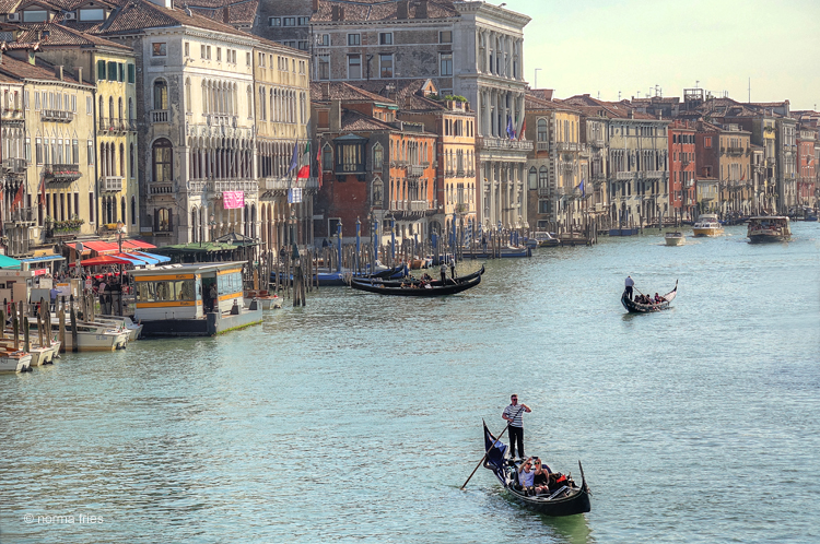 """IT227: """"Venice: selfie on the Grand Canal"""""""