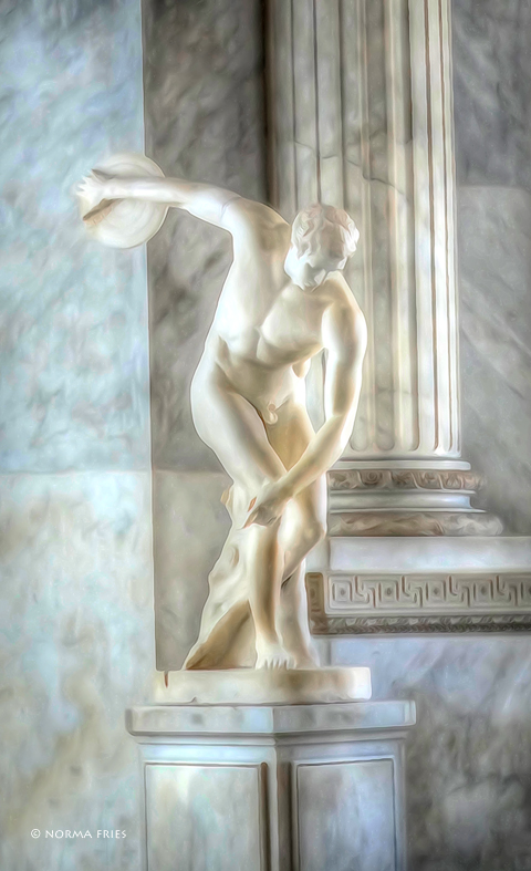 """IT245: """"Rome/Vatican: copy of the discus thrower"""""""
