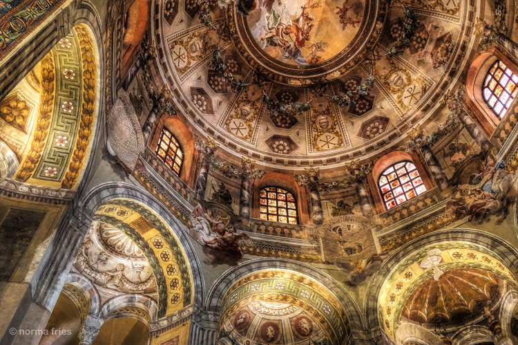 """IT286: """"Ravenna: Dome and arches"""""""