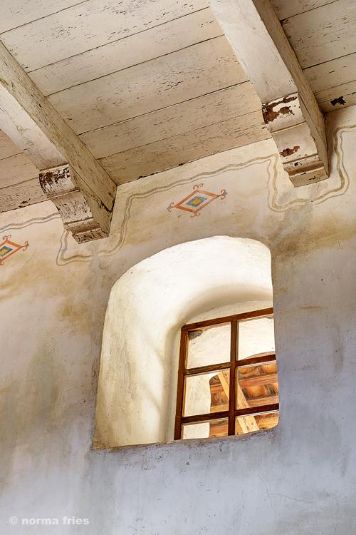 "CM427: ""La Purisima: window and beams"""