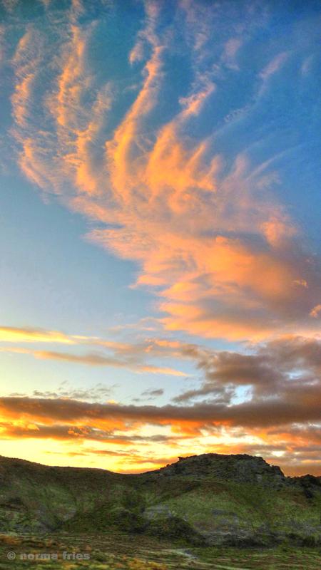 "LN924: ""Finger clouds"""