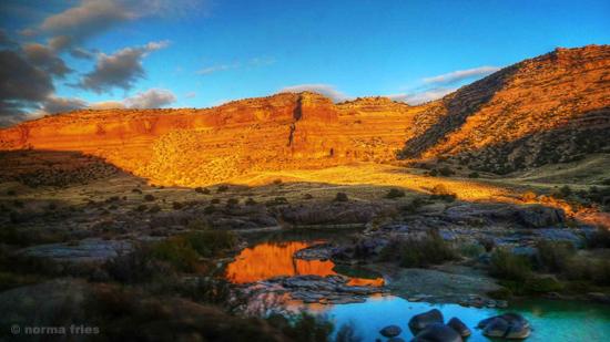 "LN926: ""Red rocks near Grand Junction, CO"""