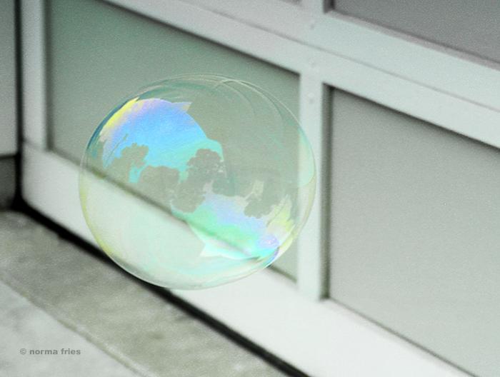 "XX1033: ""Earth bubble"""