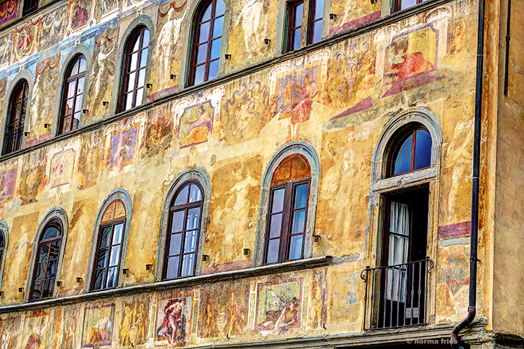 """IT313: Florence: """"Paintings everywhere"""""""