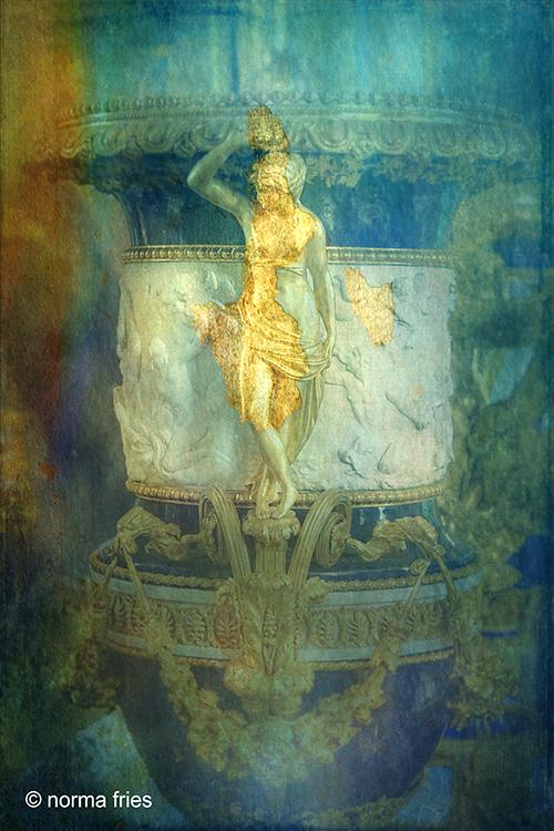 "FR430: ""Woman revealed"" (Versailles, France)"