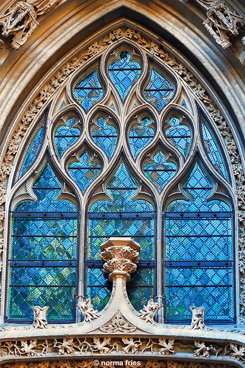 FR438: Gothic window (Rouen, France)