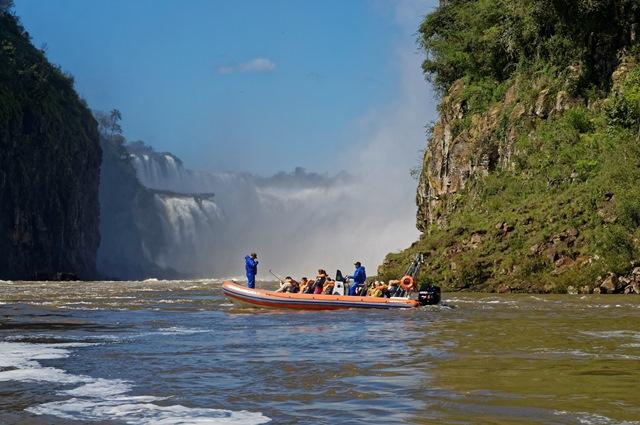 Iguazu-Falls-Guided-Tours.jpg