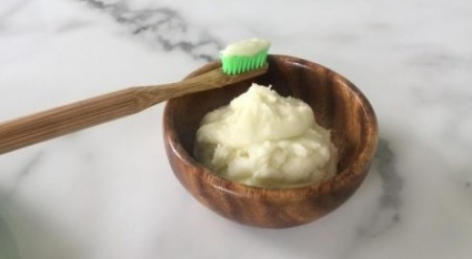 Natural Homemade Toothpaste - Natalie Brady Auckland Nutritionist.jpg