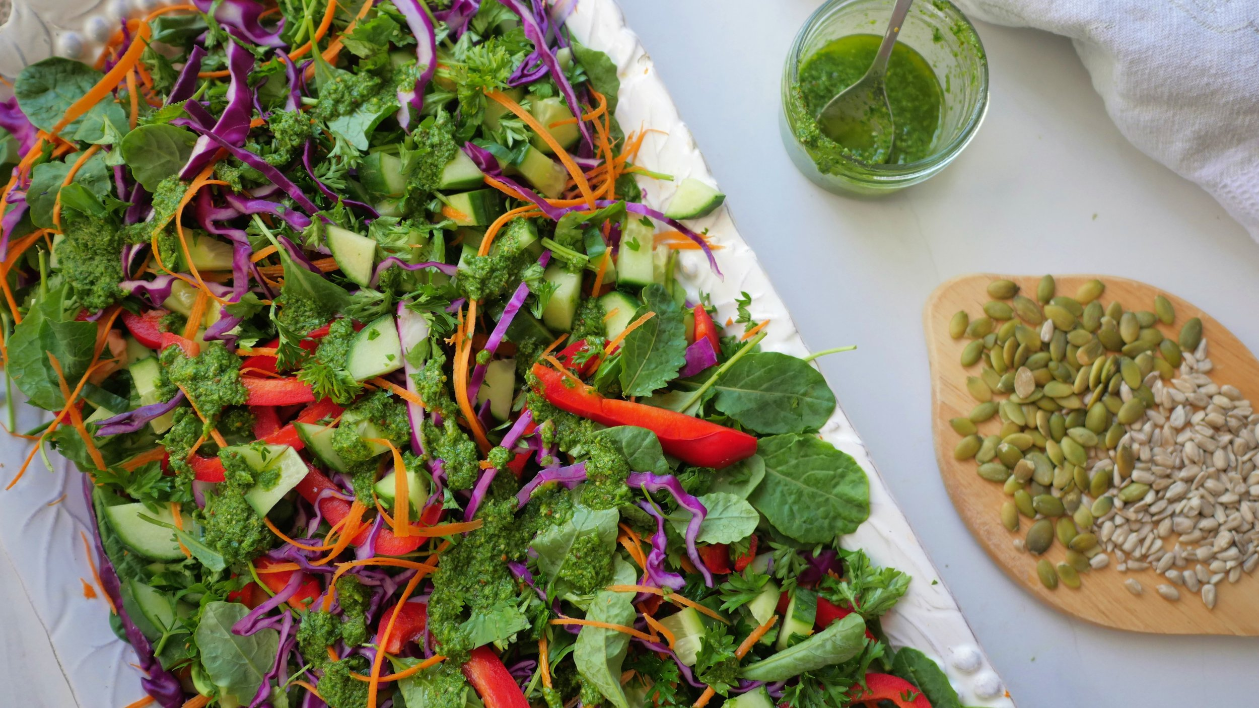 Cleansing raw salad with herb dressing.jpg