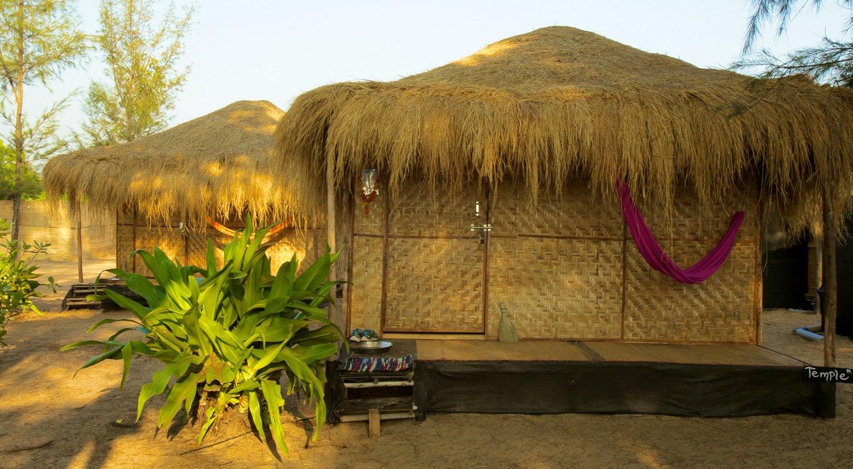 7.-Bamboo-Yoga-Patnem-beach_Garden-View-Bungalows--2.jpg