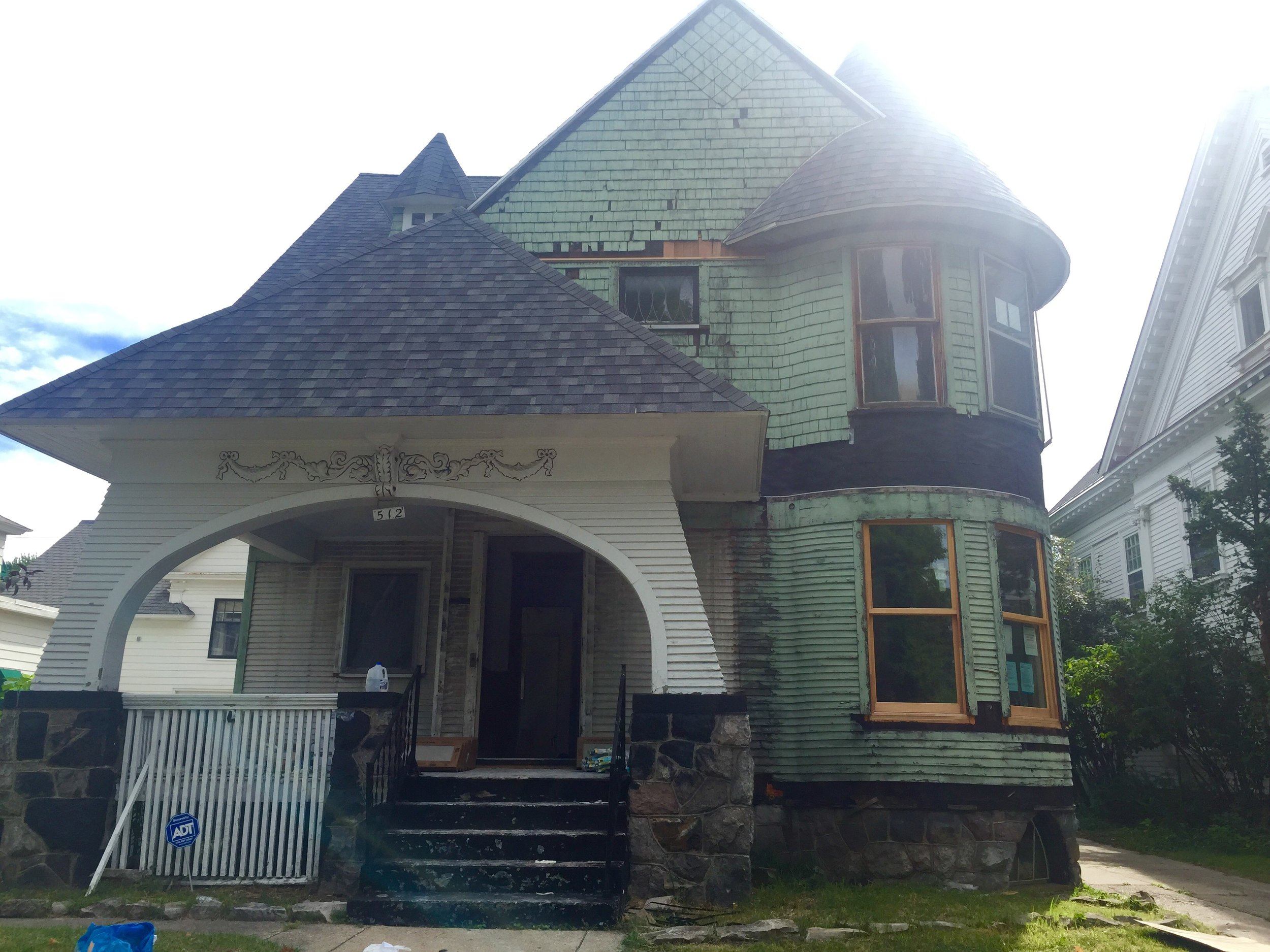 Photo of house from 2016 during renovations