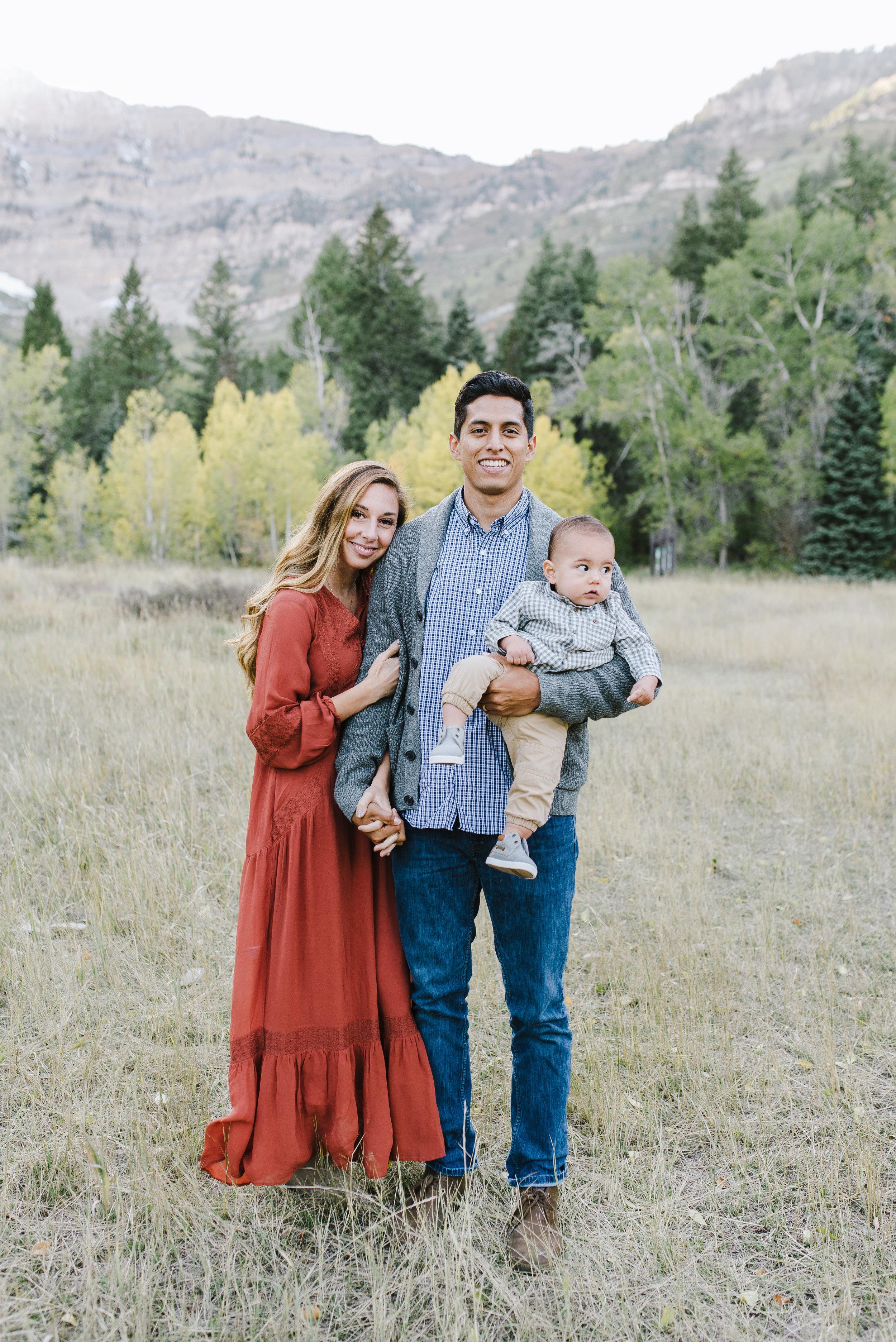 Robledo Family-10.jpg