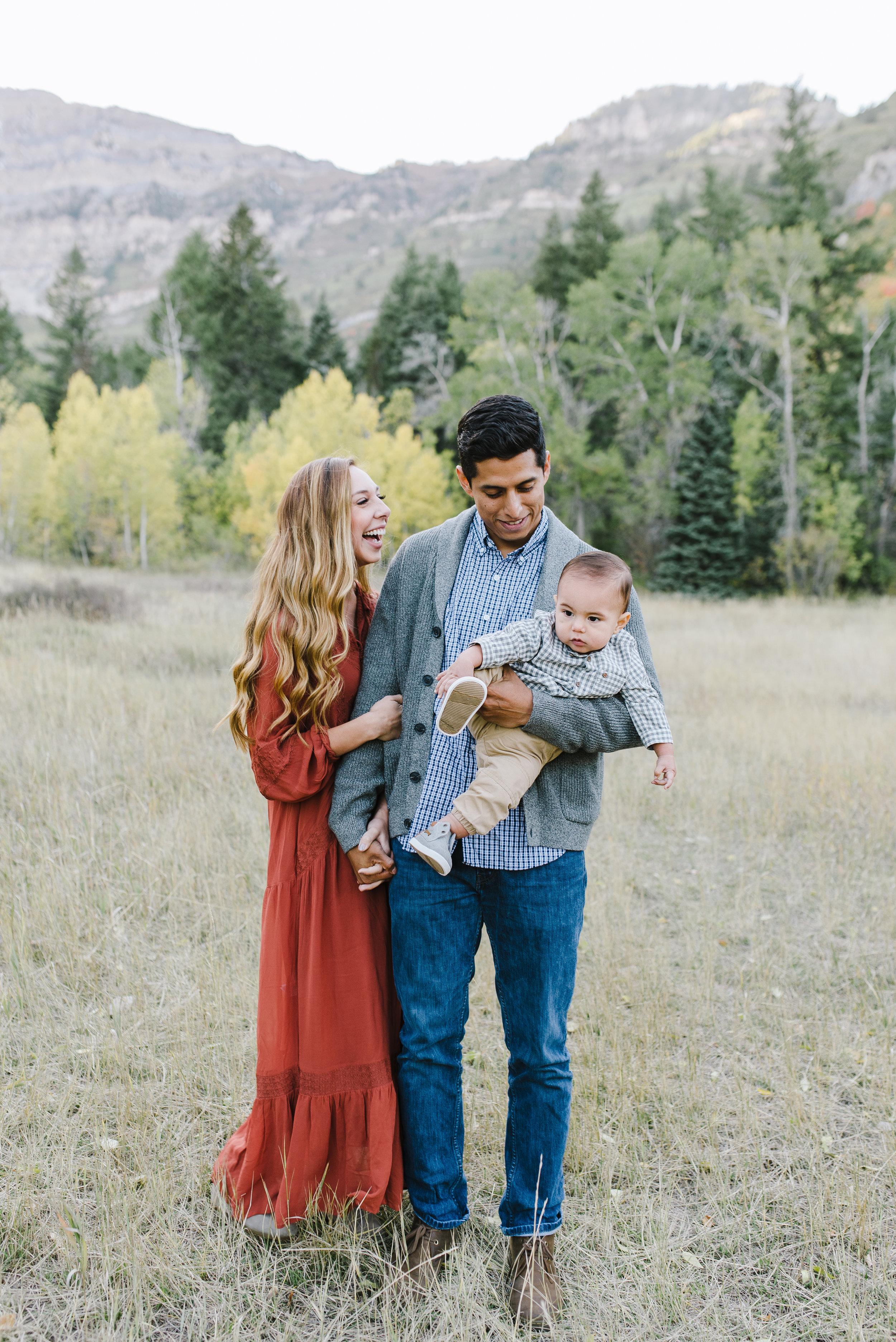 Robledo Family-14.jpg