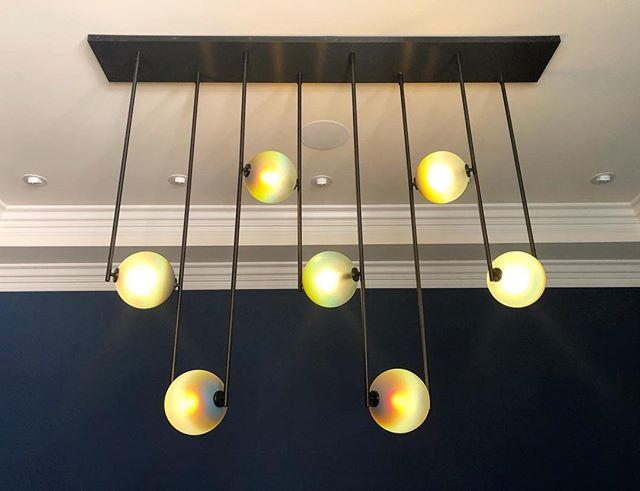 We're so in love with this @ladiesandgentlemenstudio Equalizer light, just installed in our Marin remodel. • • #loczidesign #sfremodel #sfinteriordesign #interiordesign #sfdesign #chandeliers  #customdesign #modernlighting