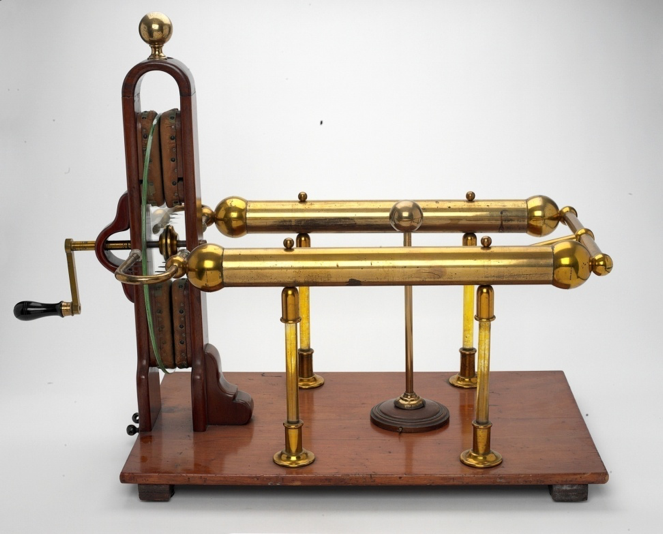 Med Electro - Ramsden's  Electrostatic Generator circa 1770.png