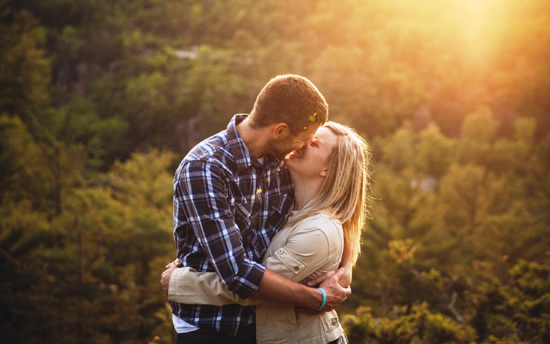 Happiest-sweet-couple-hugs-and-love-wallpapers.jpg