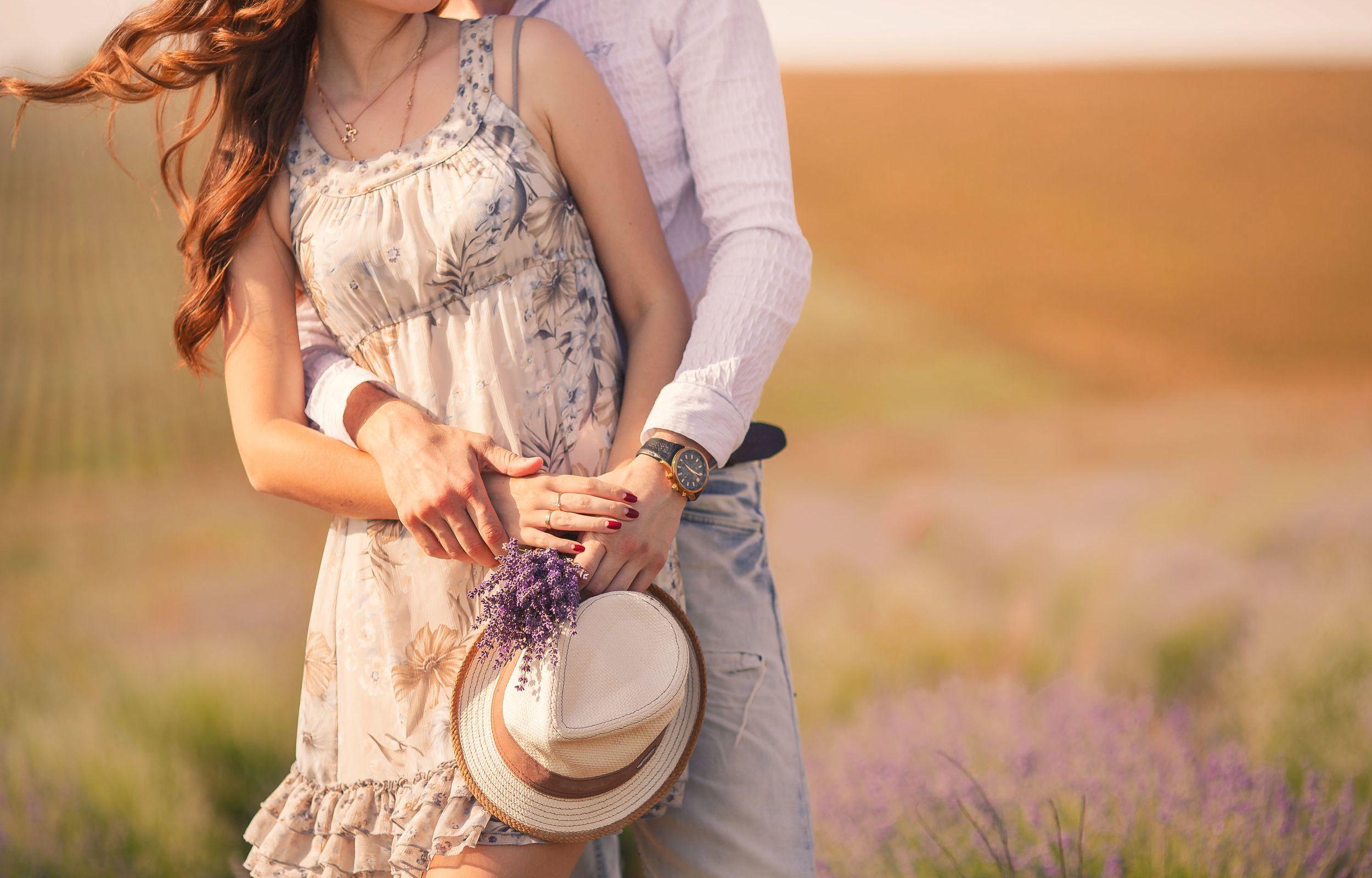 romantic-couple-hug-garden.jpg