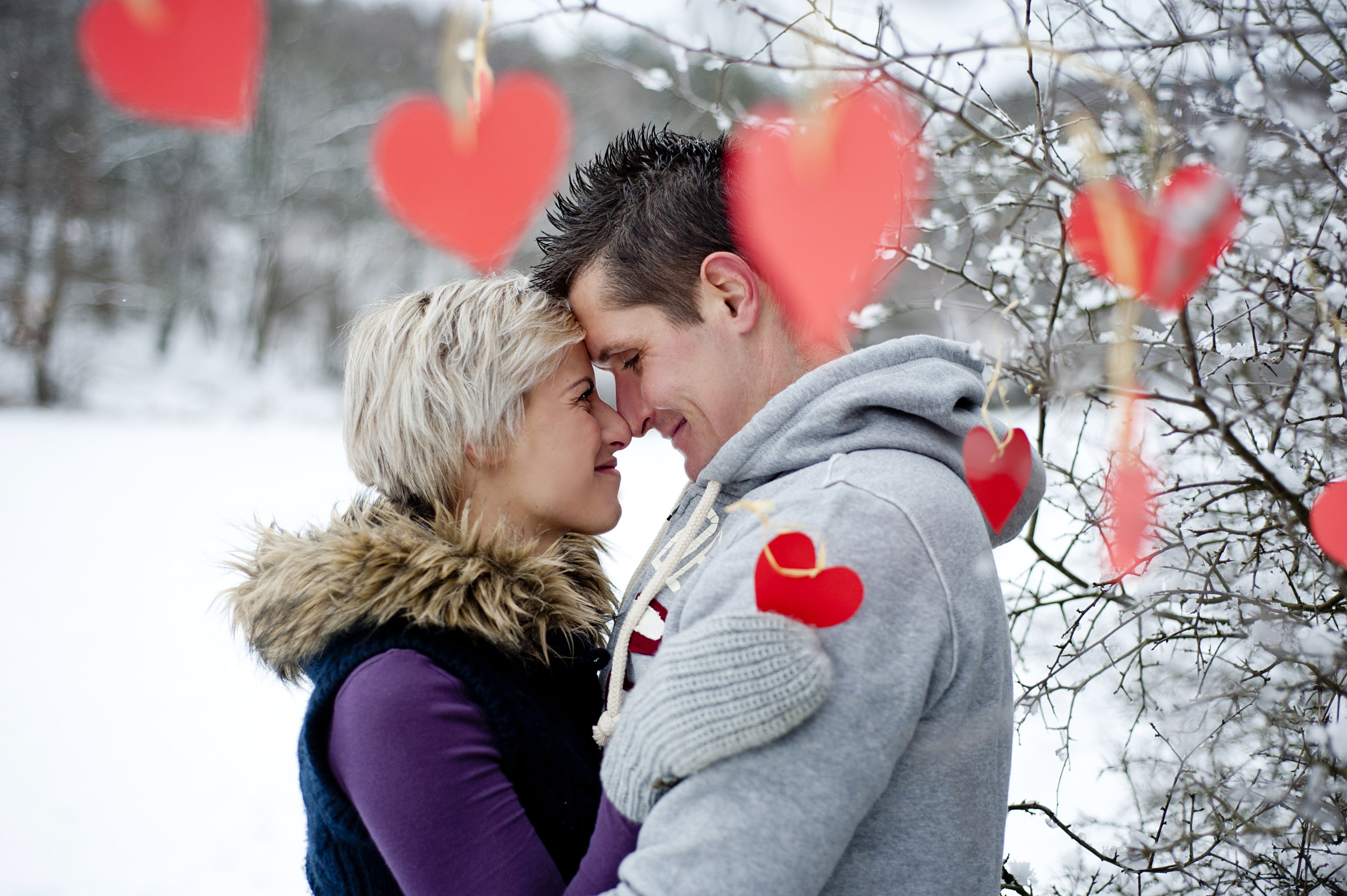 graphicstock-happy-couple-is-having-romantic-time-in-snowy-countryside_HCWvgAn9bW.jpg