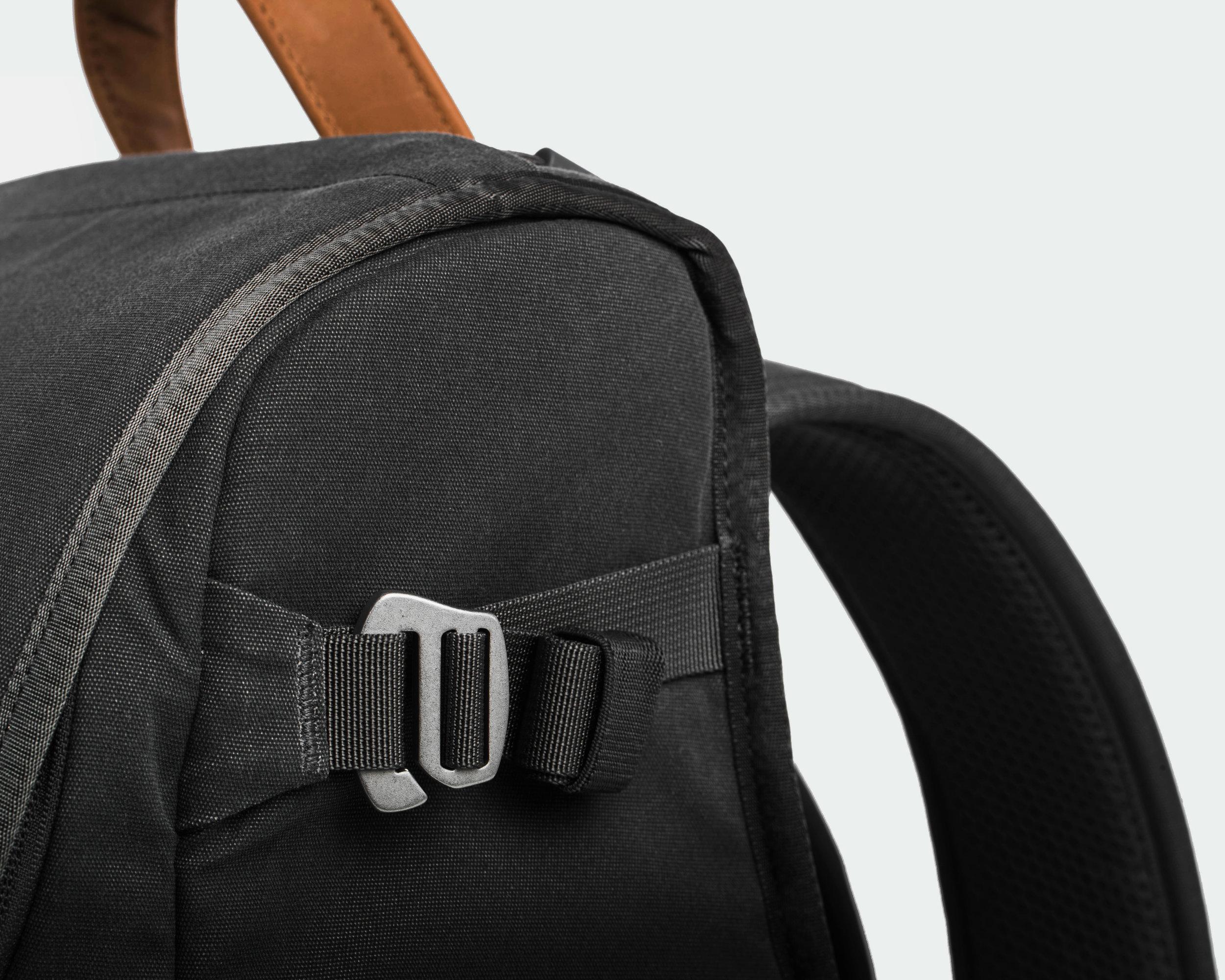 Holdland backpack detail side
