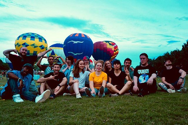 Creators + hot air balloons = an awesome event! 😎 Thanks to all of the creatives who came out of their caves to hang out at this month's #createirl event. Stay tuned to find out about the next event! #creators #youtubers #atlantayoutubers #creatives #atlantameetups #discoveratl #hotairballoon #atlanta