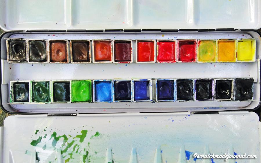 My second palette, a Sennelier prefilled watercolor set - scratchmadejournal.com