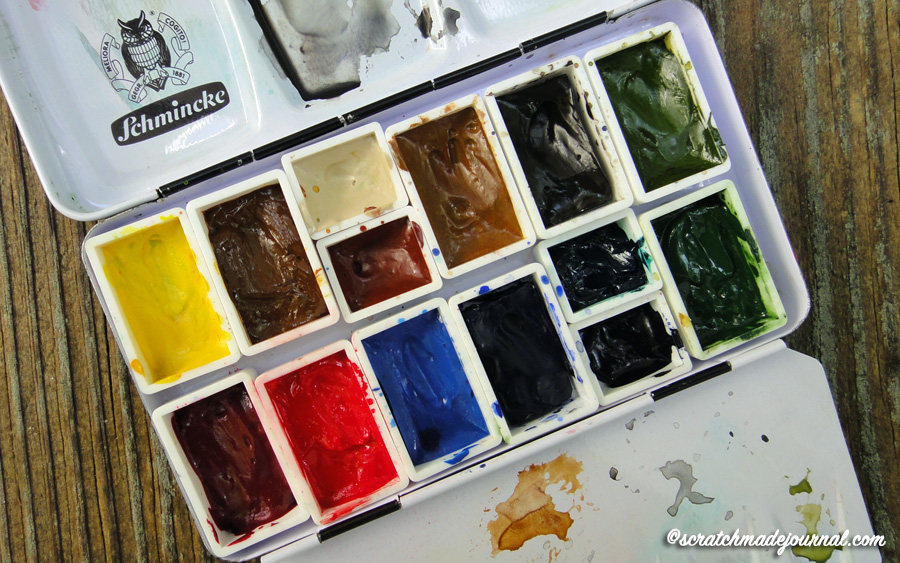The best portable watercolor palette, one I could fill myself - scratchmadejournal.com