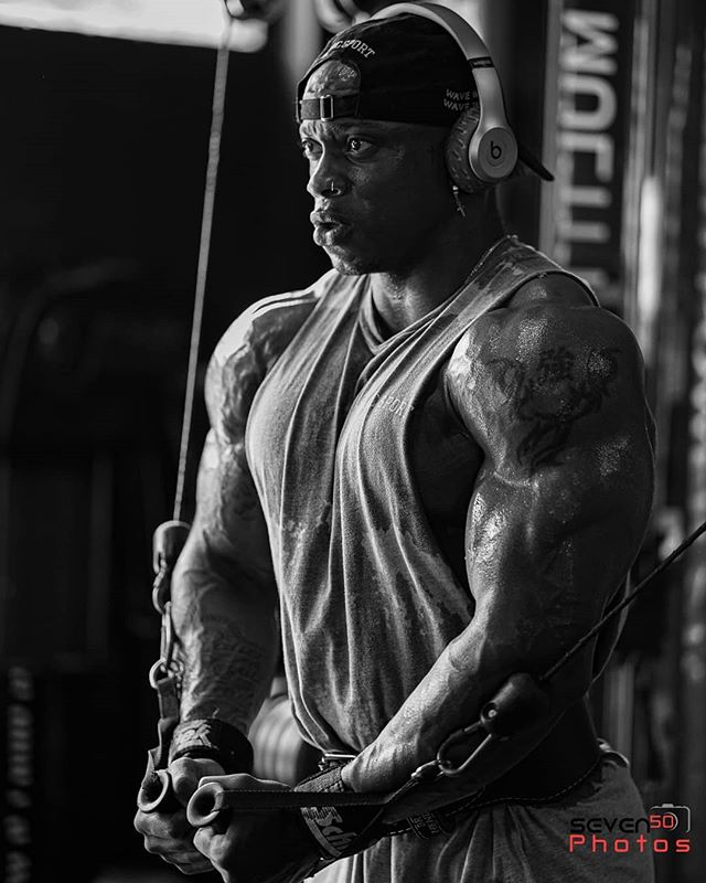 Clear your mind and stay focus!! #mrolympia #bigwaves @brvndonflexx @darcsport