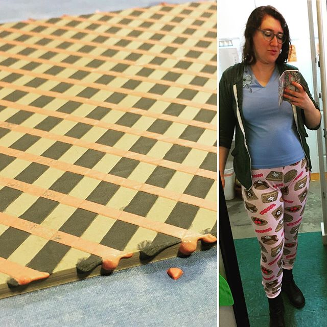 When good outfits (and workshops) happen to good people!!! ...the Lydia Johnson Workshop at Watershed has been awesome, even if it's gotten chilly enough to start layering pants!! . #waffleweave #wafflepants #breakfastclothes #wip #claysurface #watershed2019 #residency