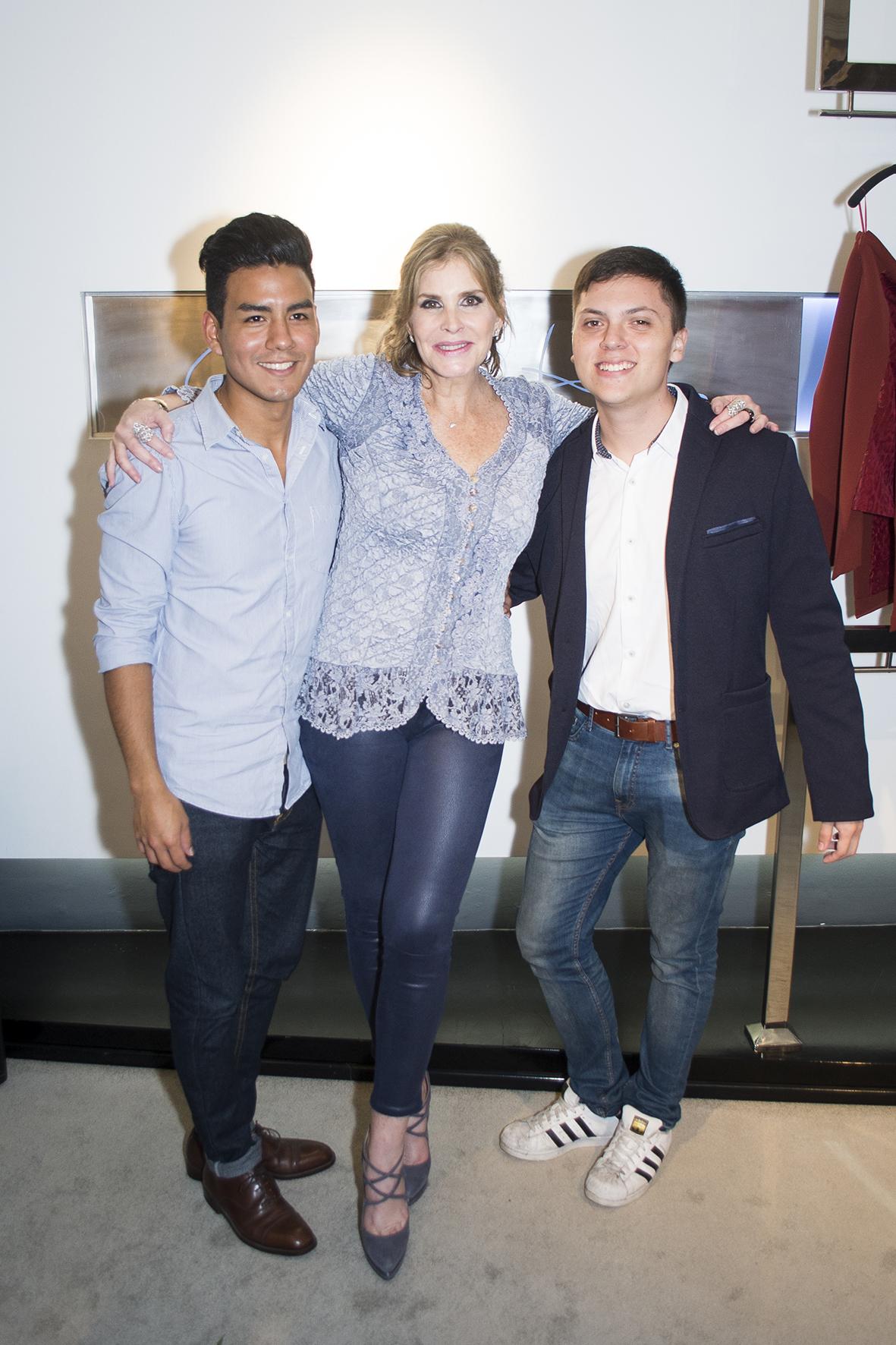 Enrique Canales, Carolina Tola y Andrés Bouby -  Editor de Sociales y PR de Superhype.