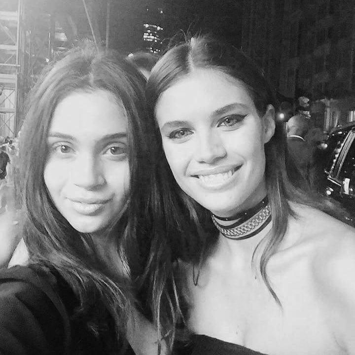 Selfie con la top model Sara Sampaio.
