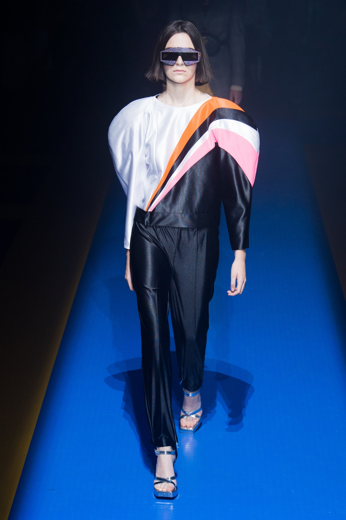 gucci_look_3_ready_to_wear_spring_2018.jpeg